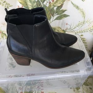 Lucky Band Short Black Boots